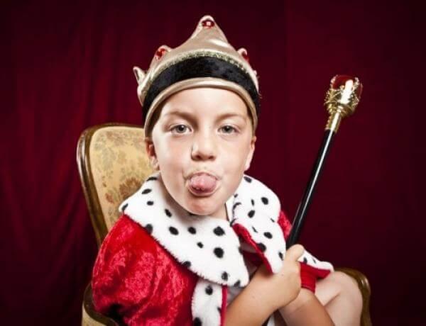 Beim Kleiner-Kaiser-Syndrom möchte das Kind alles beherrschen