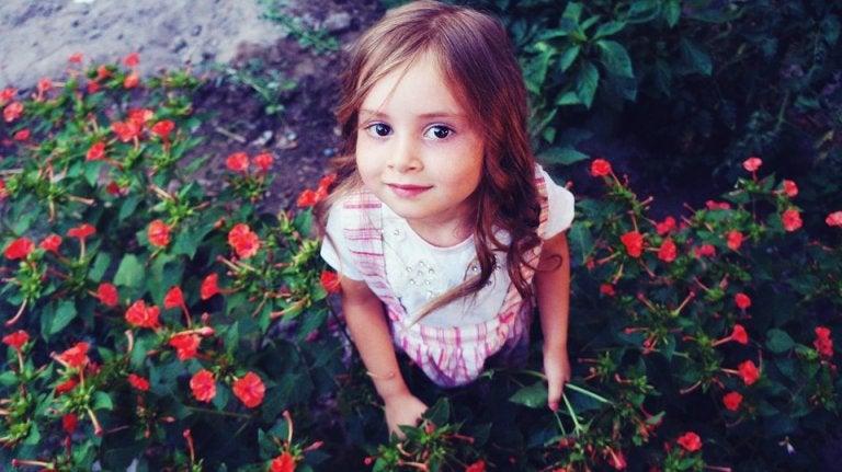 Ein Mädchen findet seine Identität in der Natur: Seltene Mädchennamen.