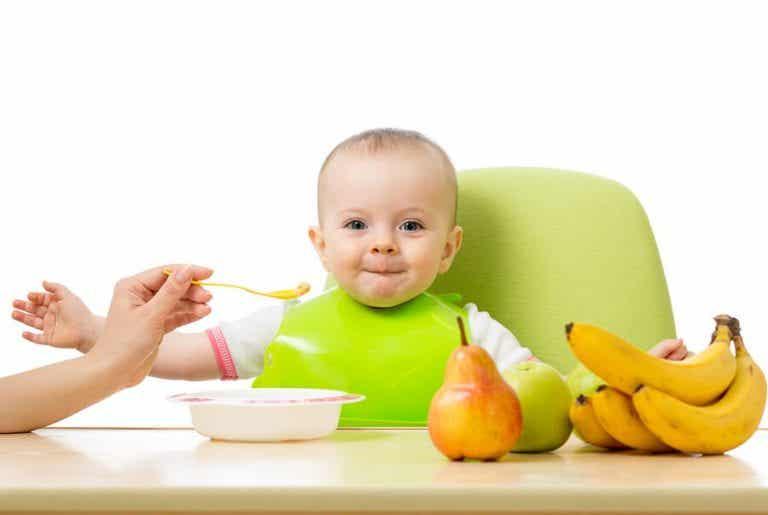 So integrierst du Früchte in die Ernährung deines Babys