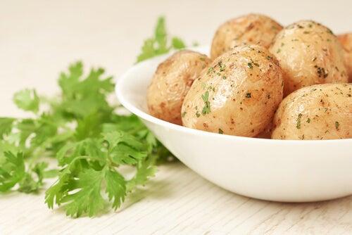 Proteinhaltige Pürees für Kinder mit Kartoffeln