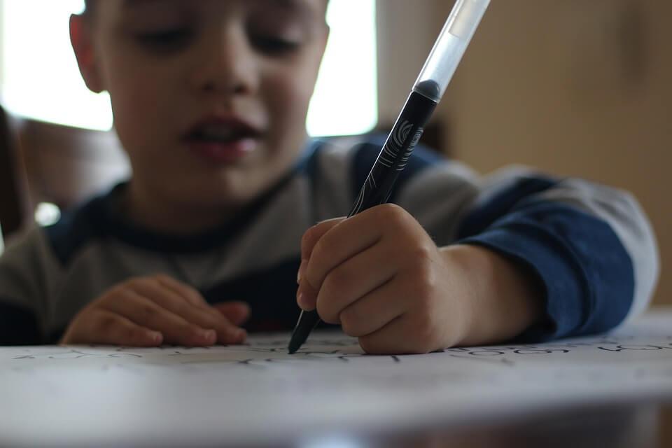 Spaß haben an der Entwicklung der Handschrift.