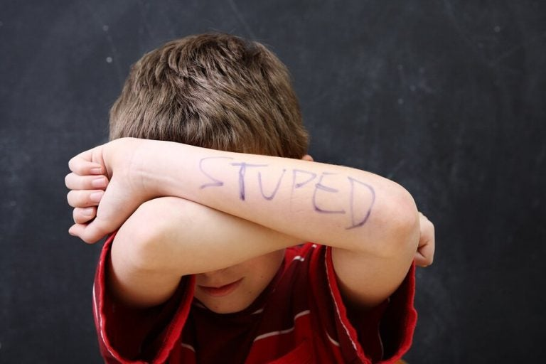 Niedriges Selbstbewusstsein von Kindern: 3 häufige Probleme