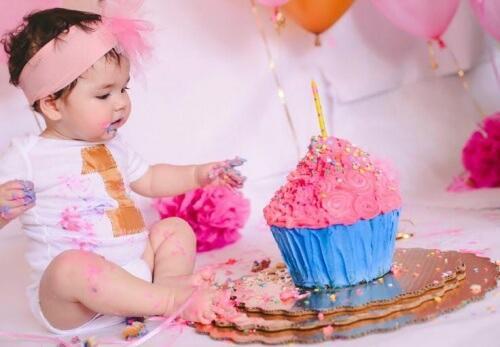 Der erste Geburtstag deines Babys sollte gefeiert werden