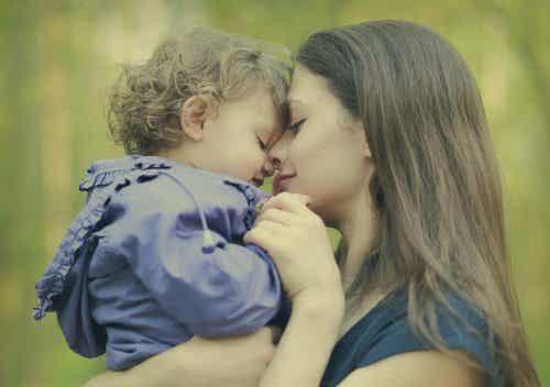 7 kleine Notlügen, die jede Mutter irgendwann verwendet
