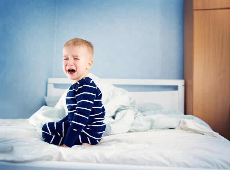 Woher weiß ich, dass mein Kind genug Schlaf bekommt?