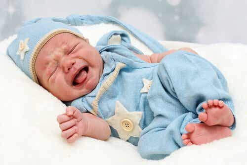 Nierenbeckenerweiterung bei Säuglingen: Symptome, Diagnose und Behandlung