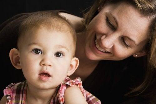 Die Stimme der Mutter aktiviert das Gehirn des Kindes