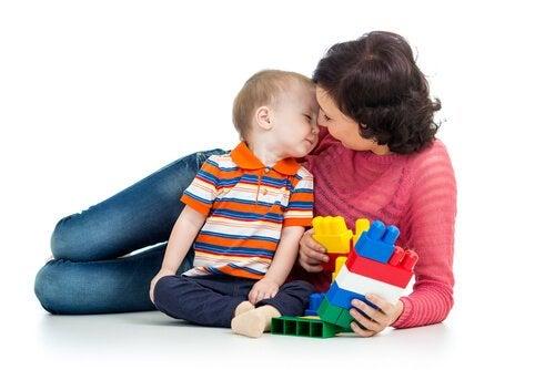 Spielen mit Mama