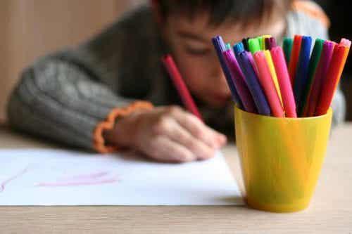 Wie kannst du die Zeichnungen deiner Kinder interpretieren?