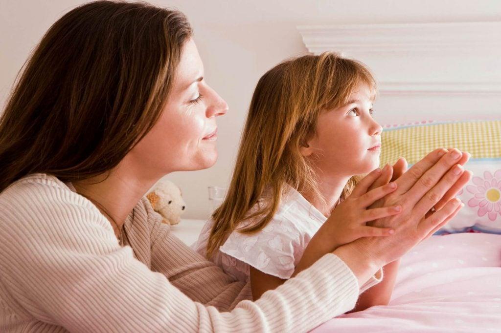 10 Wege dein Kind Gott näher zu bringen