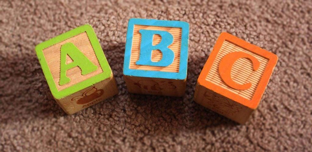 Kindliche Sprachentwicklung: Was beeinflusst sie?