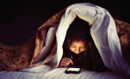 bevor du deinem Kind ein Handy kaufst - bevor_du_deinem_Kind_ein_Handy_kaufst-2