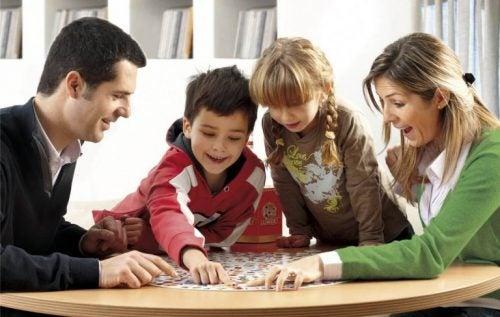 Intelligenz von Kindern durch Spiele fördern