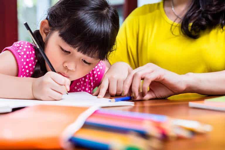 Hilf deinem Kind, seine Schrift zu verbessern! 5 Tipps
