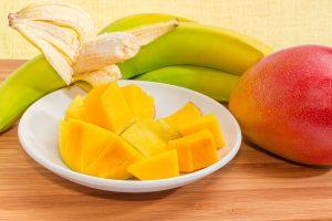 Löffel-Rezepte für Babys von 6 bis 9 Monaten: Mango-Bananen-Püree
