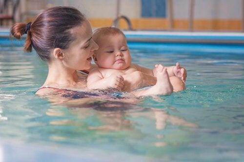 Mutter-Kind-Schwimmen