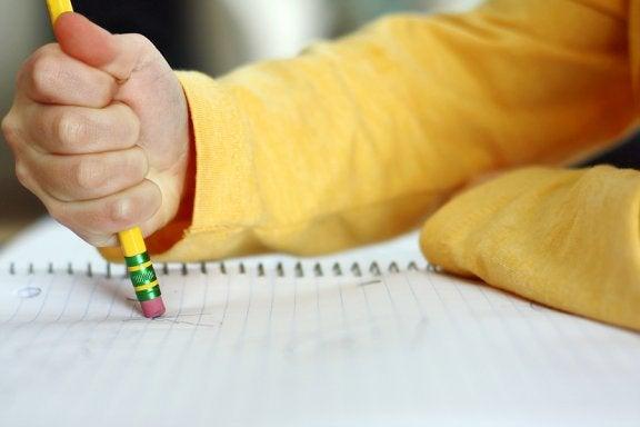 Mein Kind macht so viele Rechtschreibfehler! Was kann ich tun?