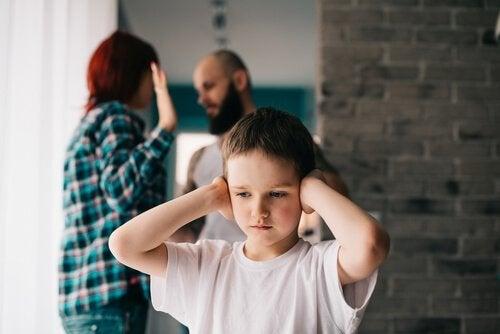Wie die Trennung der Eltern die Kinder im Alter von 4 bis 7 Jahren beeinflusst