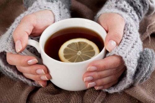 Tee in der Stillzeit trinken