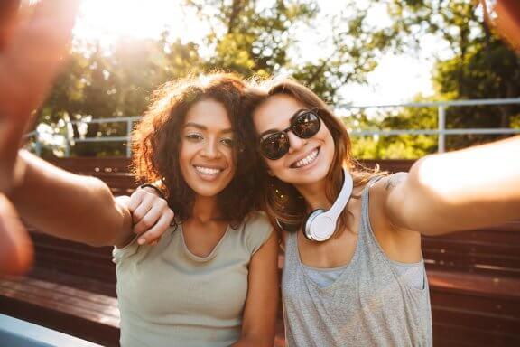 Das FOMO-Syndrom bei Jugendlichen: die Angst, etwas zu verpassen