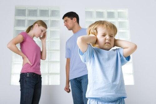 Dysfunktionale Familien: Wie Kinder sie überstehen