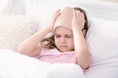 Migräne bei Kindern: Symptome, Ursachen und Behandlung