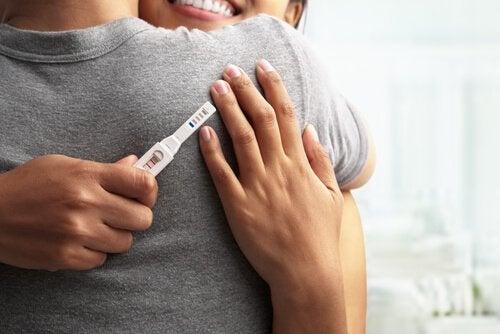 Ein Schwangerschaftstest ist die beste Methode, um festzustellen, ob du schwanger bist