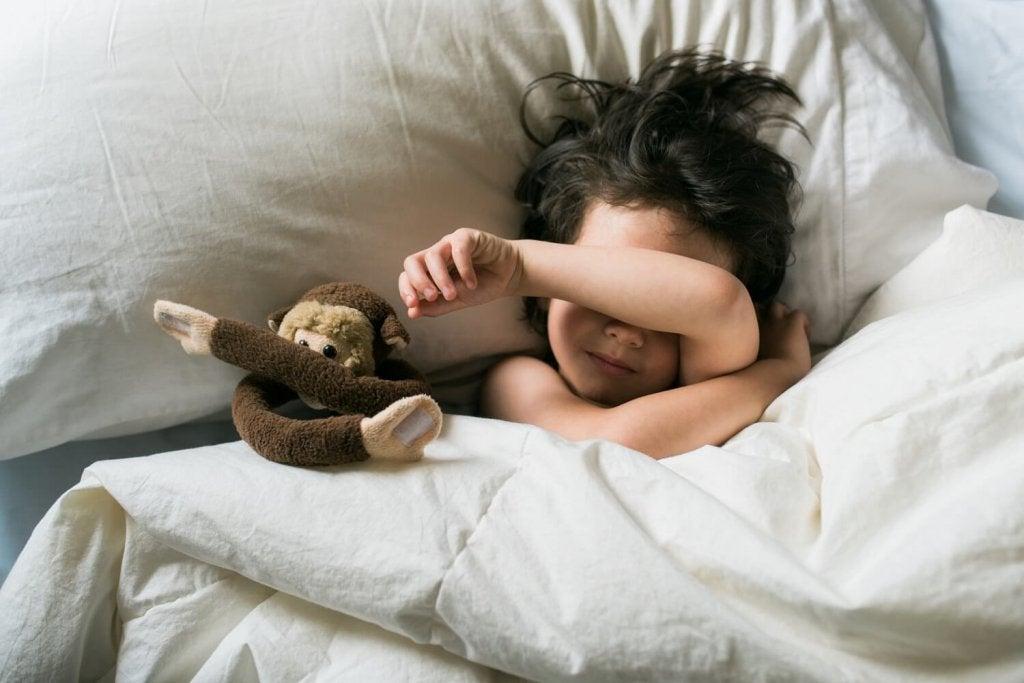 Was ist der Unterschied zwischen Nachtangst und Albträumen?