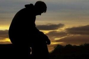 Kind nicht anschreien: Vater denkt nach, was er tun kann