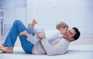 Papa, du bist auch wichtig! Vater mit Kind