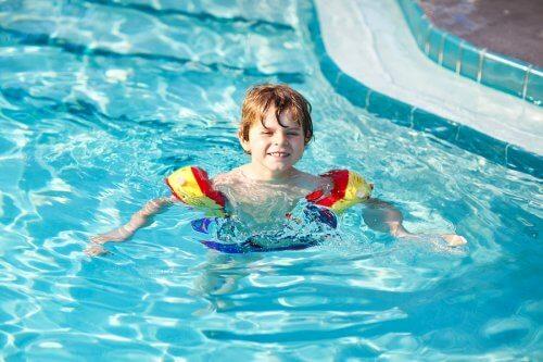 Chlor in Schwimmbädern Allergien verursachen - Chlor_in_Schwimmbädern_Allergien_verursachen
