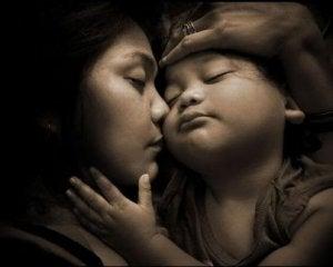 Mutter und Kind: Liebe auf den ersten Blick