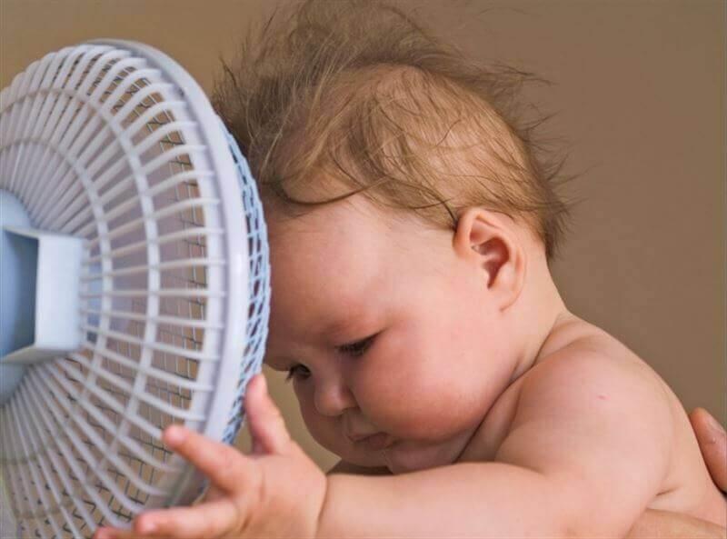 Schütze dein Kind vor Hitze!
