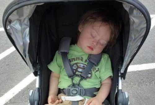 Manche kritisieren mich, weil mein Kind immer noch im Kinderwagen sitzt