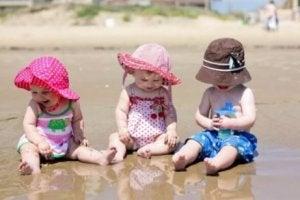 Babys am Strand