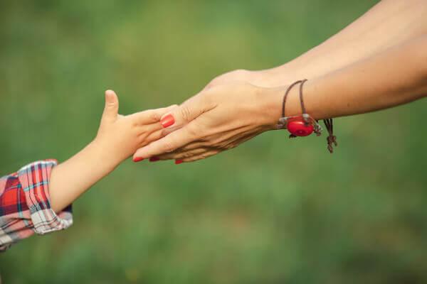 7 Dinge, die Mütter ihren Töchtern beibringen sollten