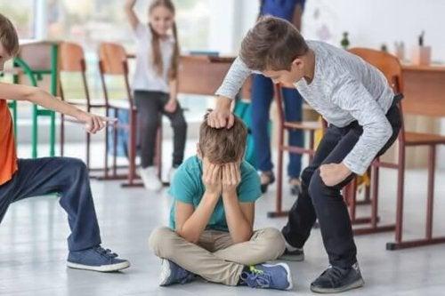 Wie regelt man Konflikte im Klassenzimmer?