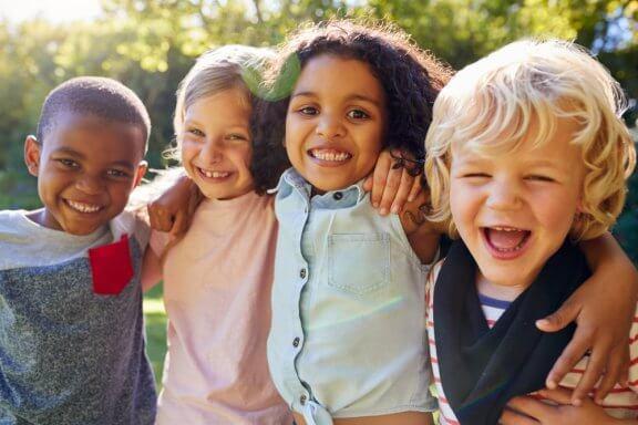 Die Wichtigkeit der Sozialisation in der Kindheit