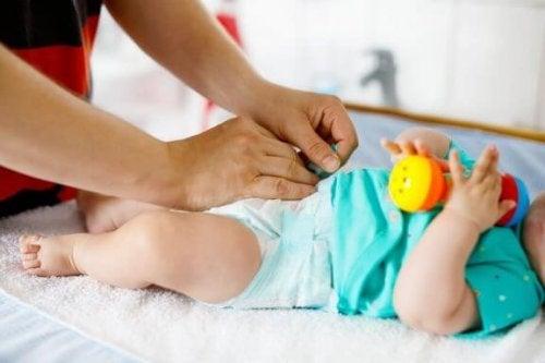 Wann solltest du die Windel deines Babys wechseln?