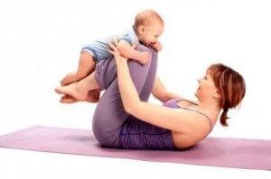 Mutter braucht nach Geburt des Babys ein Jahr Pause