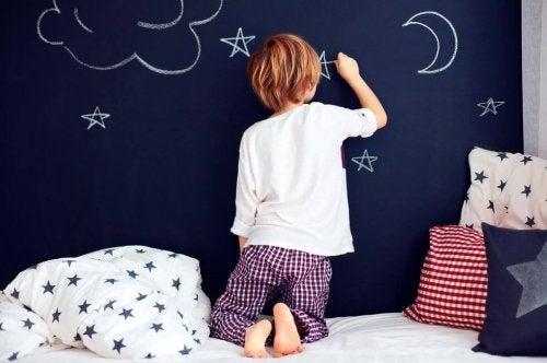 Wenn Kinder wachsen sind Zweiteiler oder Nachthemden eine häufige Wahl