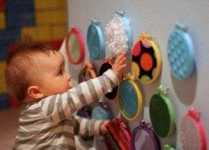 So lernen Babys mehr über Ursache und Wirkung