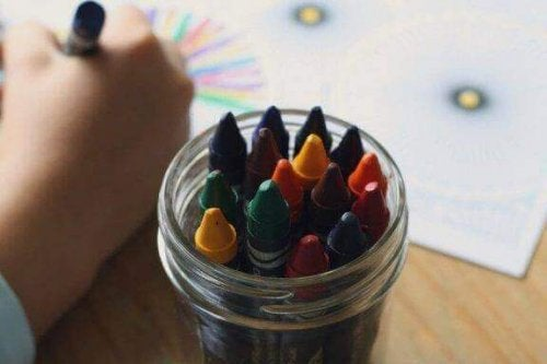 Wie du die Farben in Kinderzeichnungen interpretierst