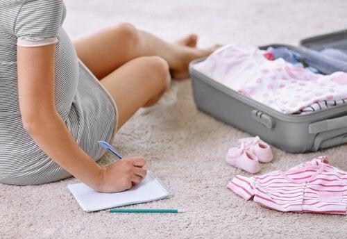Checkliste für die Kliniktasche zur Geburt