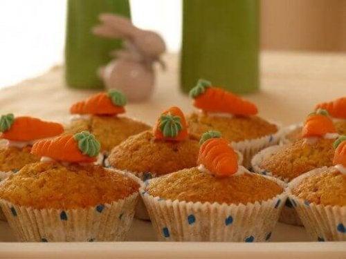 Möhrenmuffins ist ein beliebtes Rezept mit Karotten