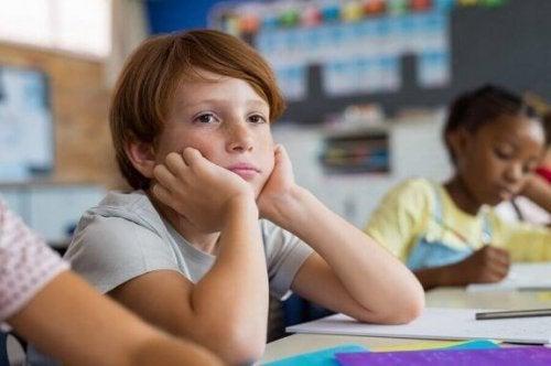 Wenn Kindern der Respekt vor Lehrern fehlt, solltest du die Arbeit der Lehrer anerkennen
