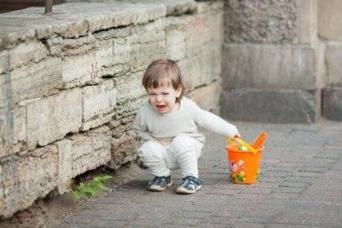 Unterhalte deine Kinder, damit sie keine Zeit für Wutanfälle haben