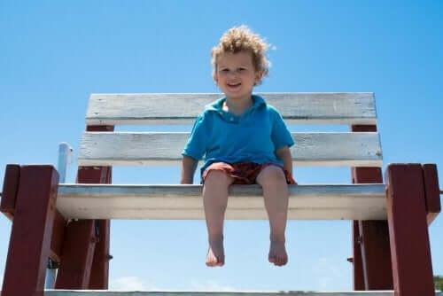 Barfußlaufen: 7 Vorteile für Kinder