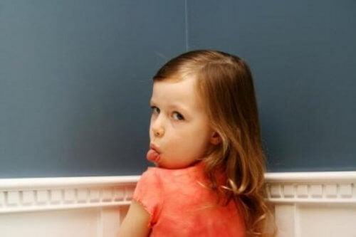 Schlecht erzogenes Kind