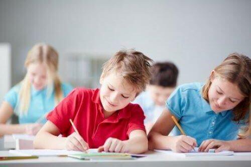 Forschungsthemen den pädagogischen Psychologie sind auch Probleme, die durch Mobbing entstehen